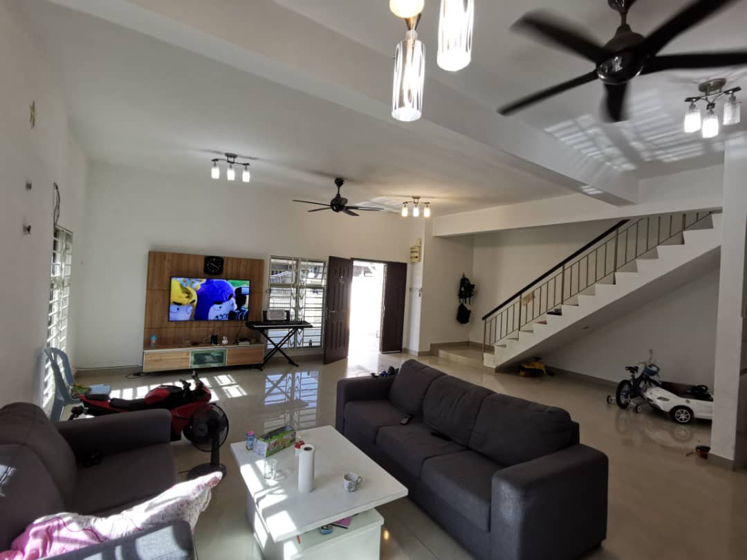2 storey Semi D Taman Anggerik Mas, Bdr Teknologi kajang  For Sale