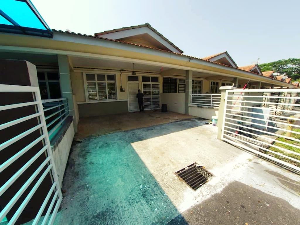 Teres 1 Tingkat Facing Open Space, Bandar Saujana Putra (SP9)